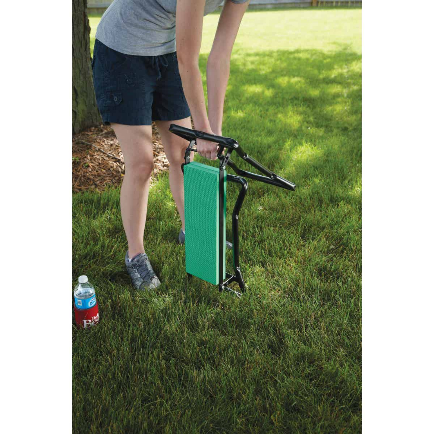 Best Garden Green Foam Pad w/Black Steel Frame Garden Kneeler Bench Image 7